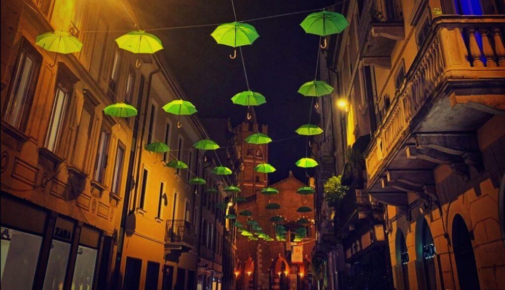 Salute mentale: ombrelli verdi invadono le vie monzesi